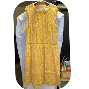 Sunshine yellow lace sleeveless dress